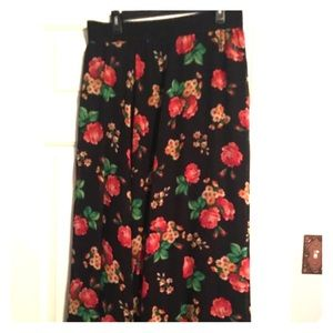 Floral LulaRoe Lucy.